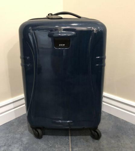 international 22 hardside spinner carry on suitcase