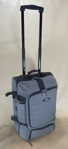 """Oakley Luggage Grey 22"""" Upright Wheeled Carry On Suitcase"""