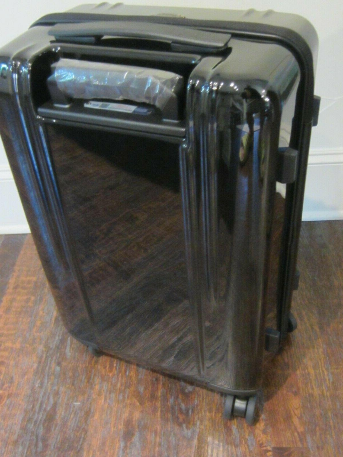 NEW Zero Domstic Carry-on 4-Wheel Spinner $425